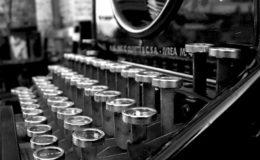 Old_Typewriter_by_BohemienStyle